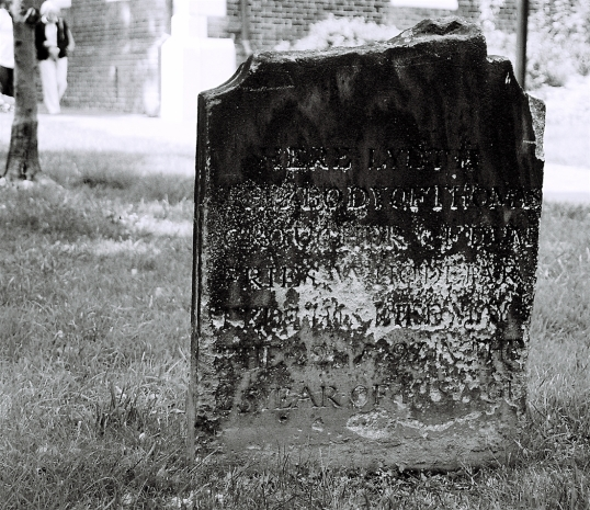 The earliest burials in the graveyard represented much of the gentry of Alexandria.