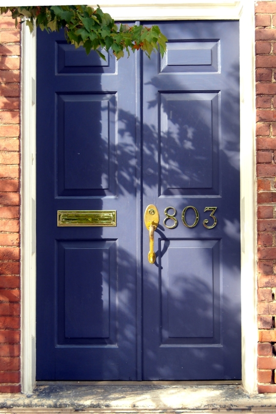 A blue door...how fabulous is that!