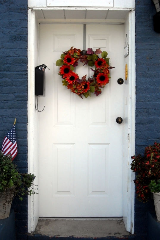 Such a charming, patriotic entrance!