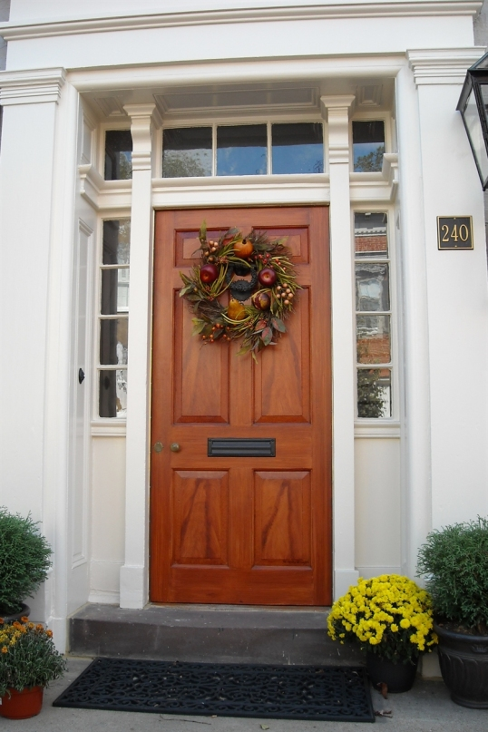 A traditional yet seasonal feel when you approach this door.