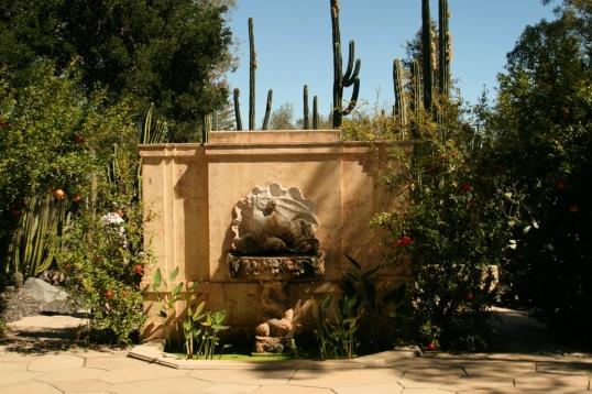 A nod to traditional Italian garden design.