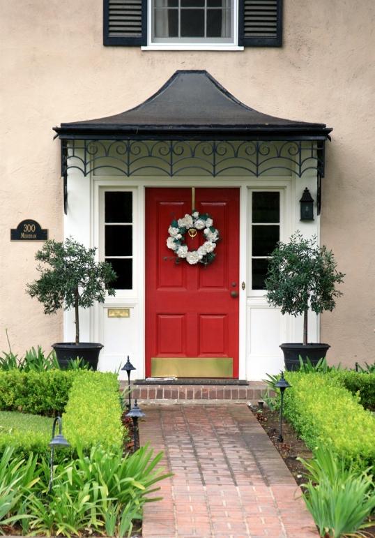 Another red door...isn't it fabulous!